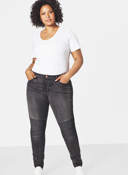 Super Slim Amy Jeans